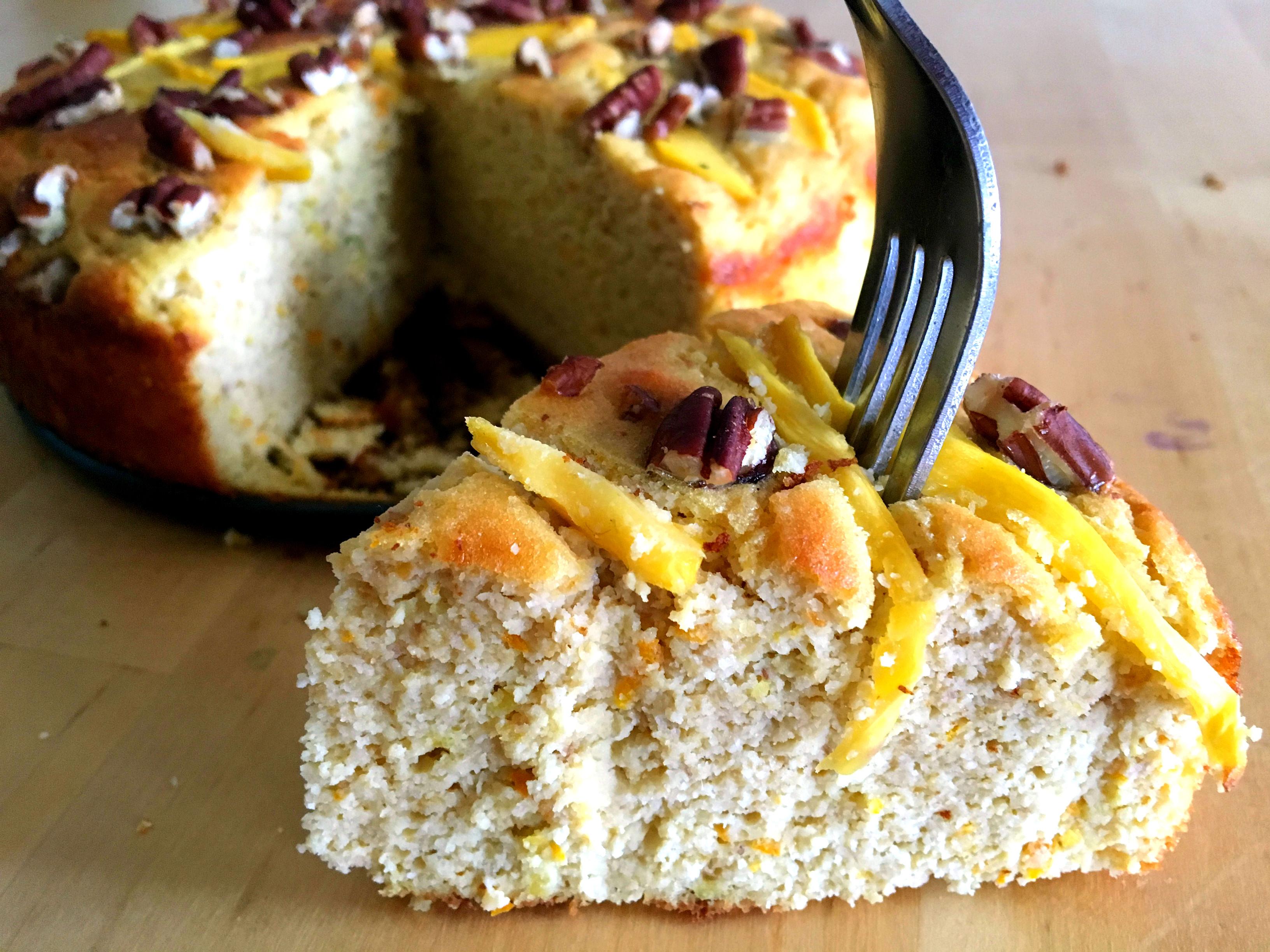 Mango pecancake met amandelmeel