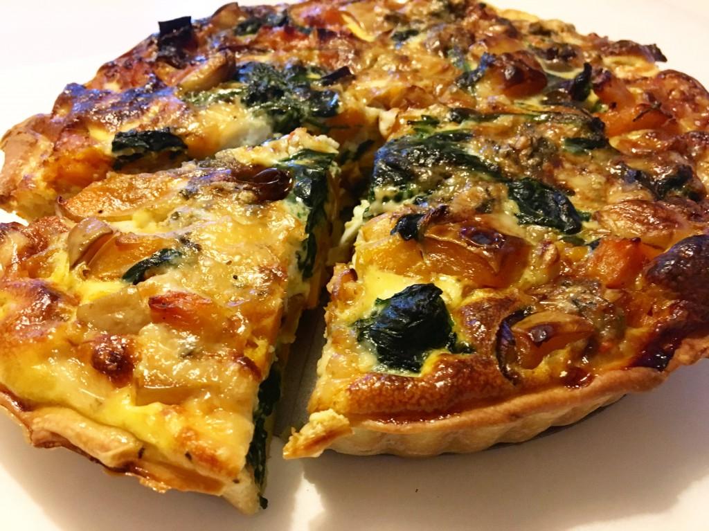 Pompoen quiche met spinazie en gorgonzola