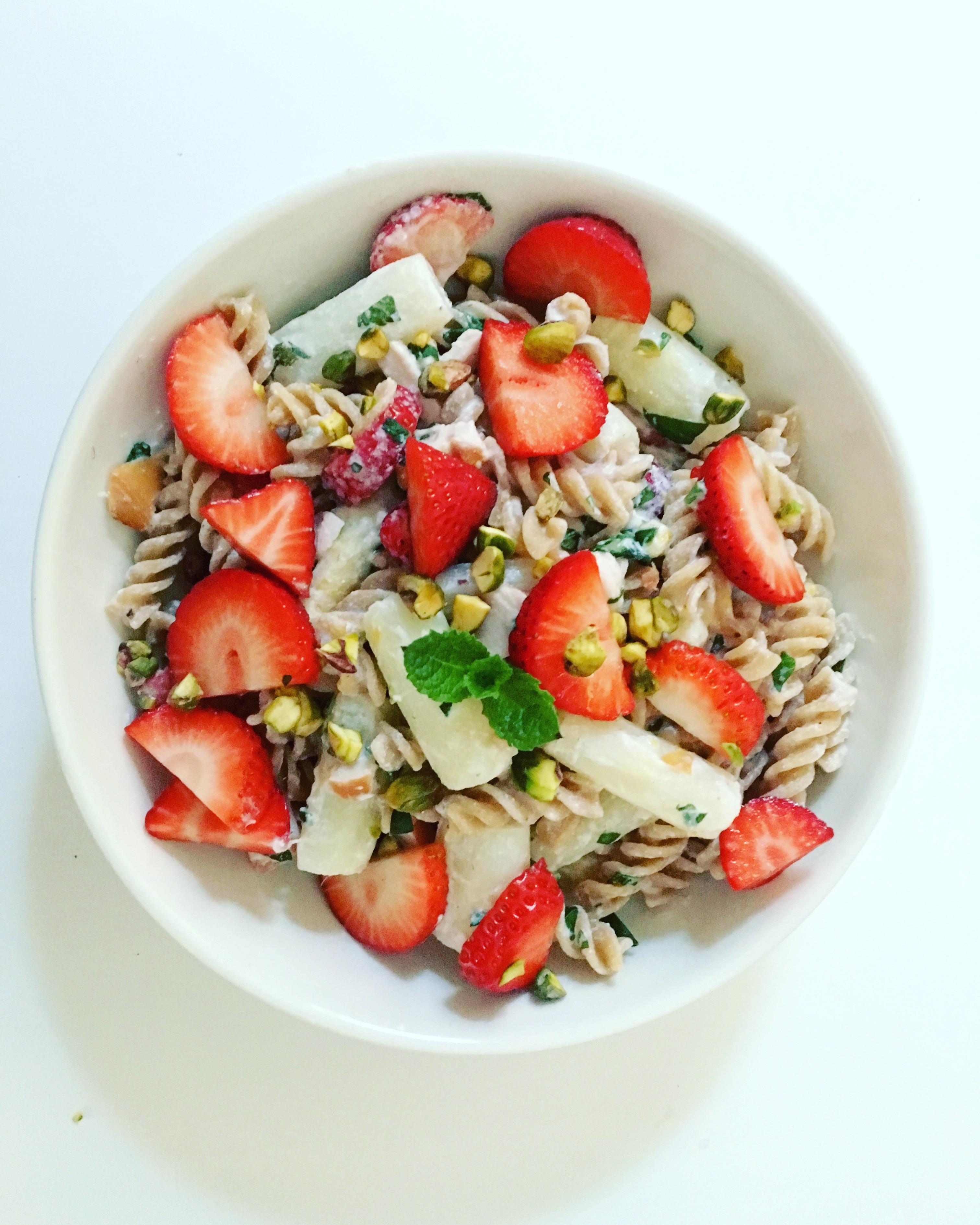 pasta_salade_asperges_aardbeien