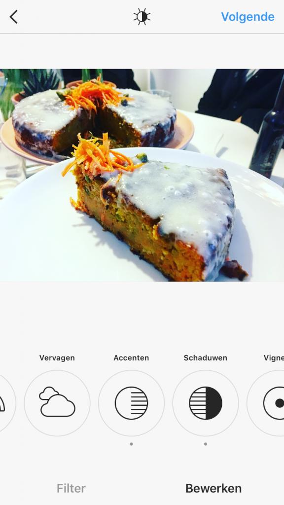 Oranje boven: Worteltaart met pistache en limoen
