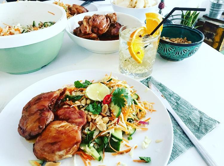 Vietnamese salade met kippendijfilet