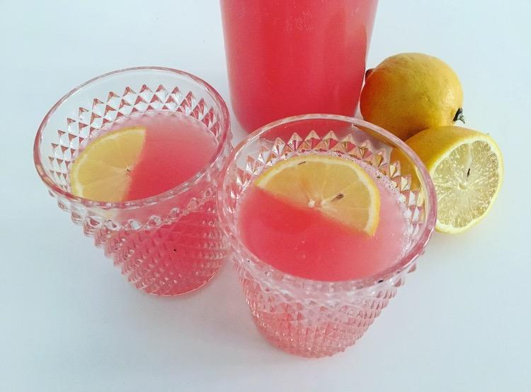 zomerse rabarber- citroenlimonade