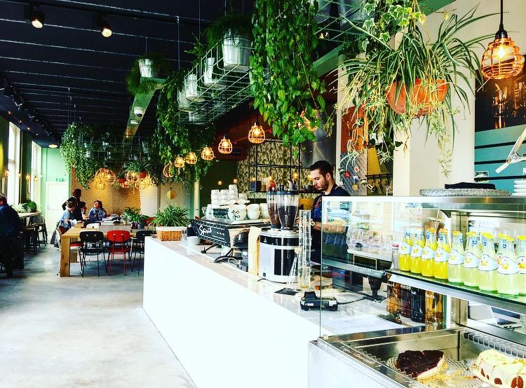 Lekker onbtijten of een coffee-to-go bij Coffeelab