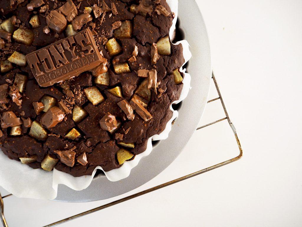 ZONDAG BAKDAG: Brownie met peren en Tony's Chocolonely