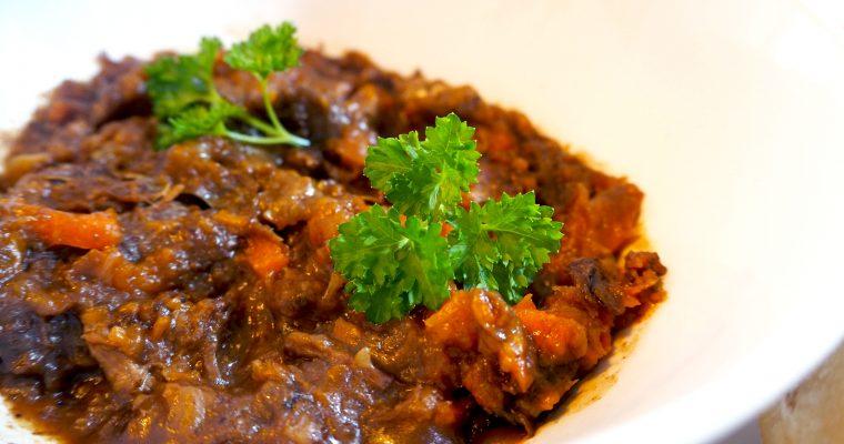 Hertenstoofvlees met peperkoek en rode port