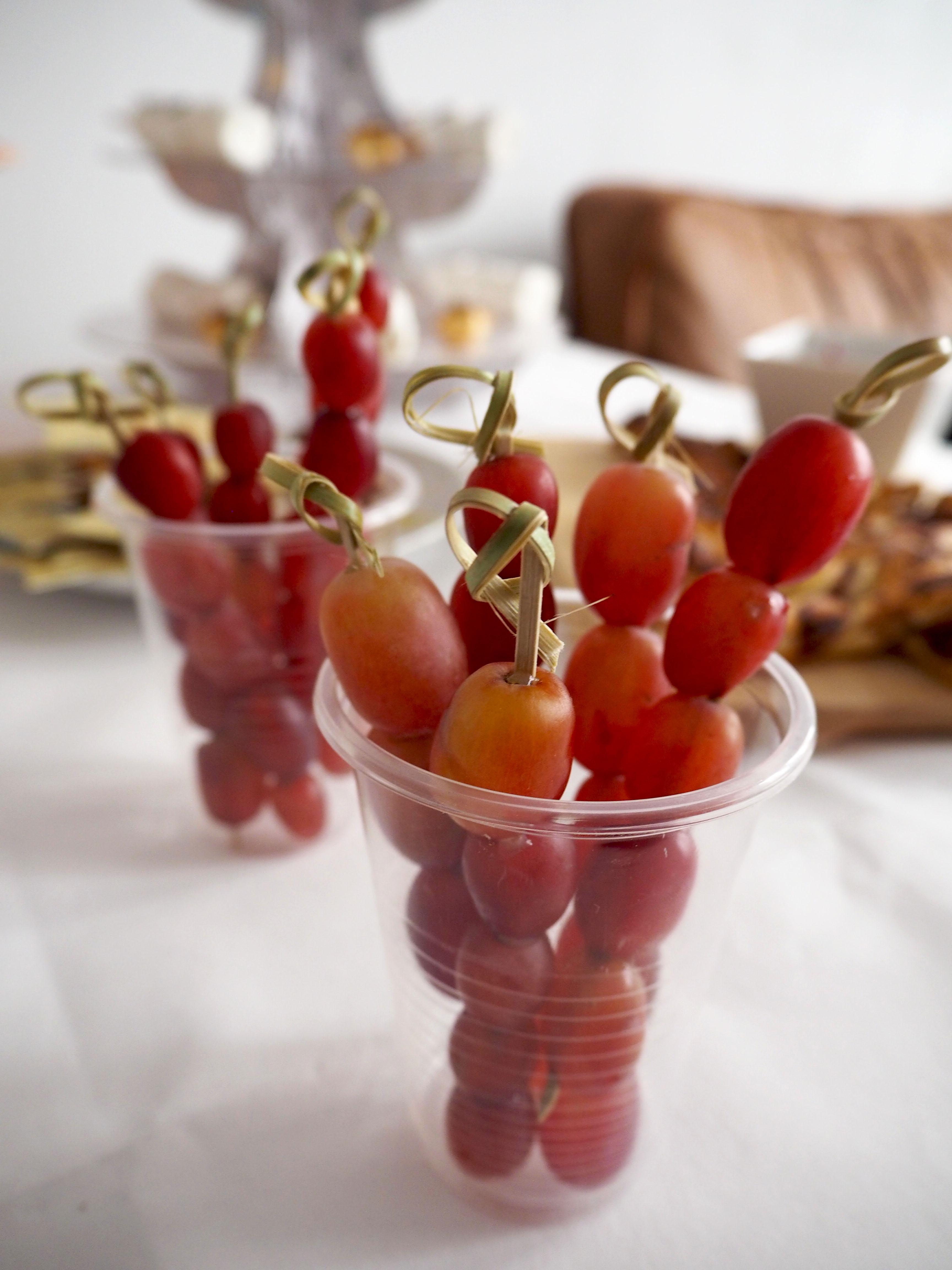 garneertip: druiven op een stokje