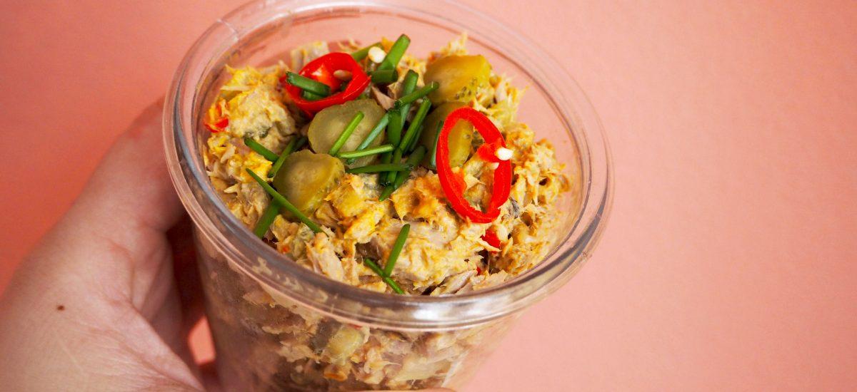 Pittige tonijnsalade met rode peper en limoen