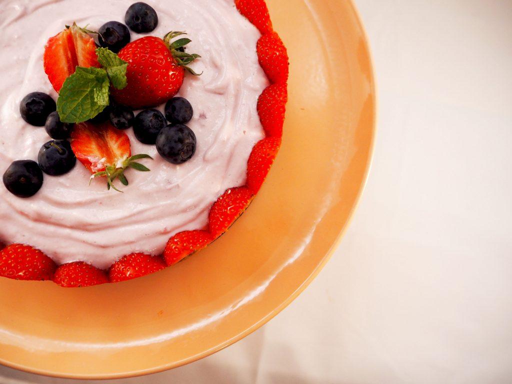 Super simpele kwarktaart met rode vruchten