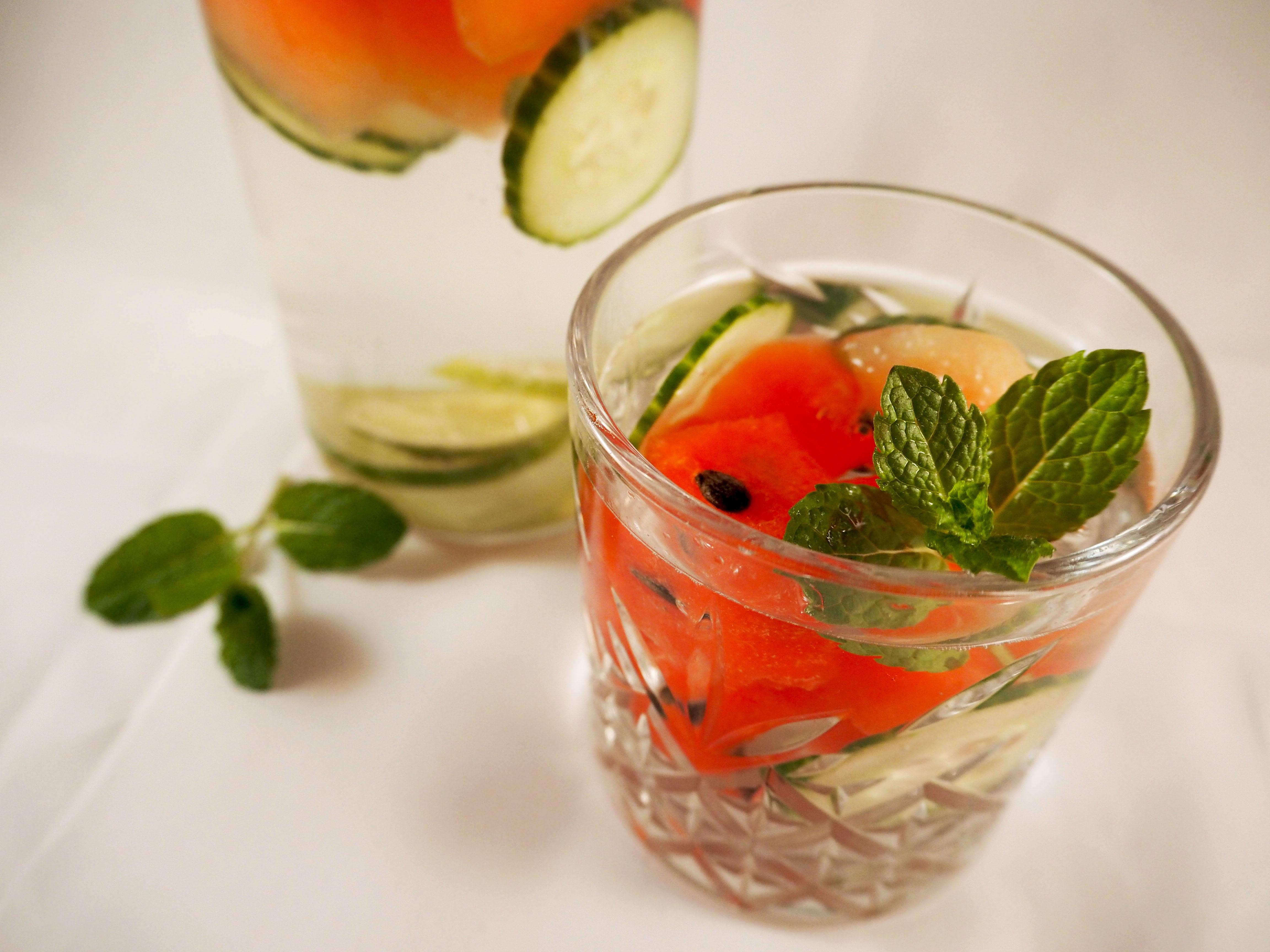 infused water met limoen en watermeloen