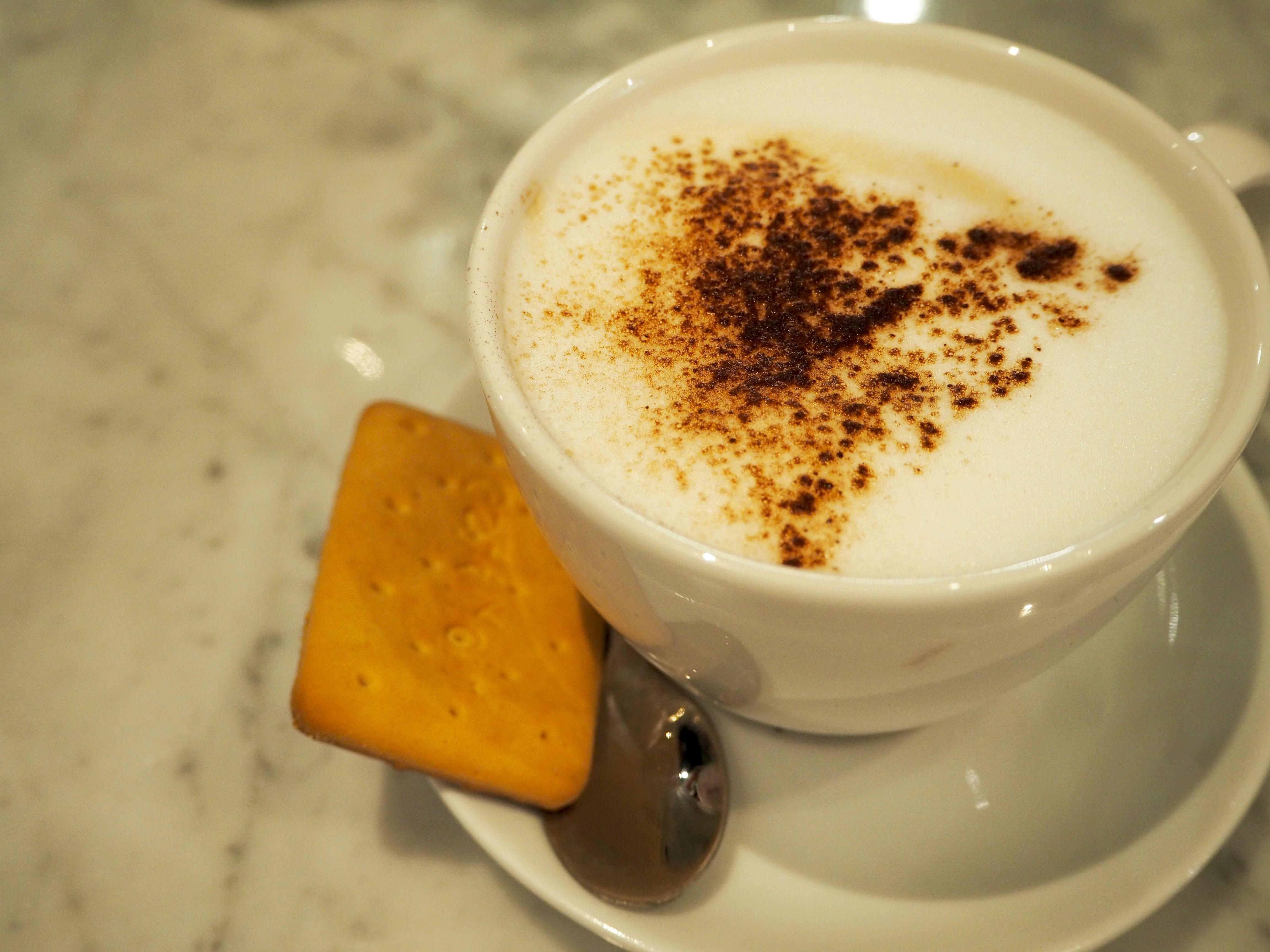 cappuccino bij maestro's recordcafé