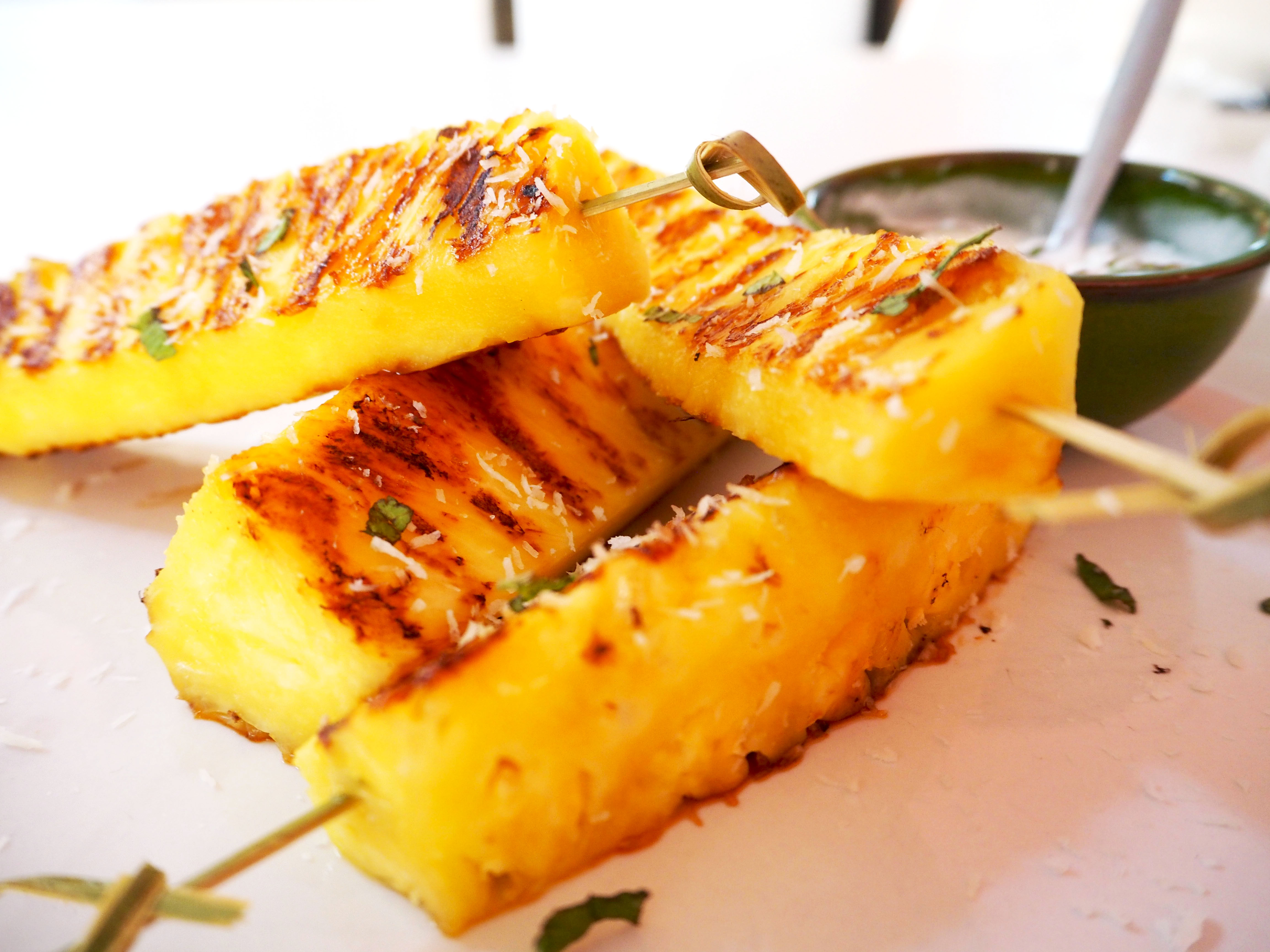 barbecue tip: gegrilde ananas