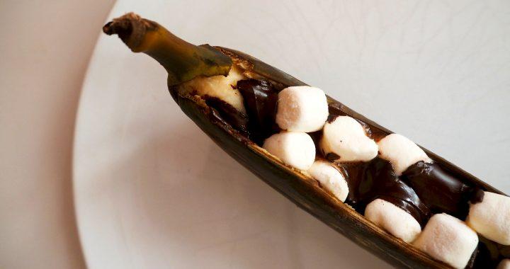 BARBECUE TIP: banaan met marshmallows en pure chocolade van de grill