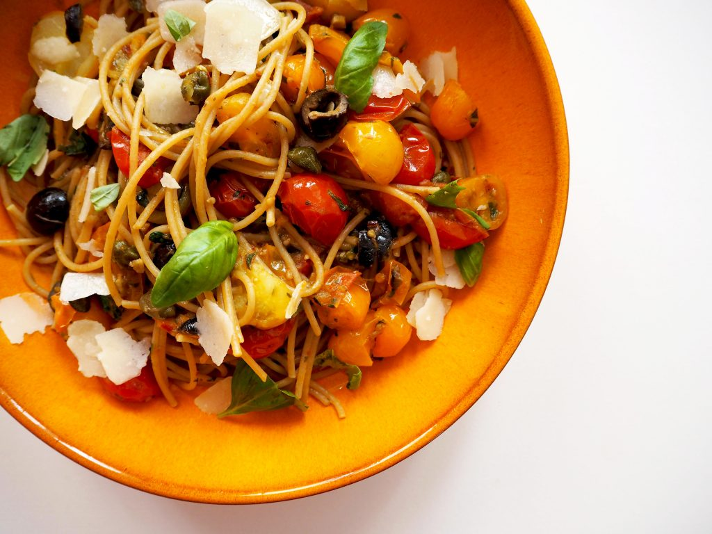 COMFORT FOOD: volkoren spaghetti puttanesca