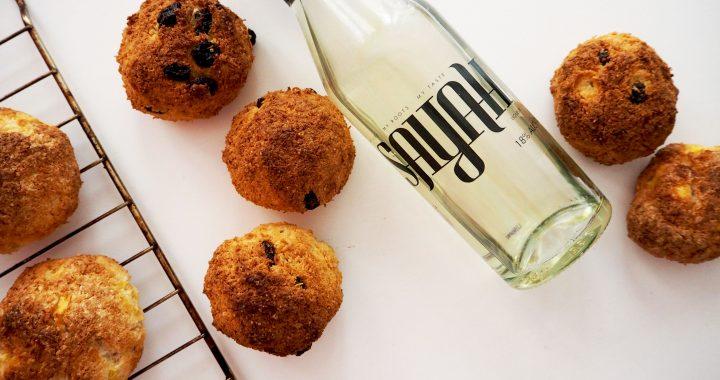 kokosbollen met rozijnen en spekkoek likeur