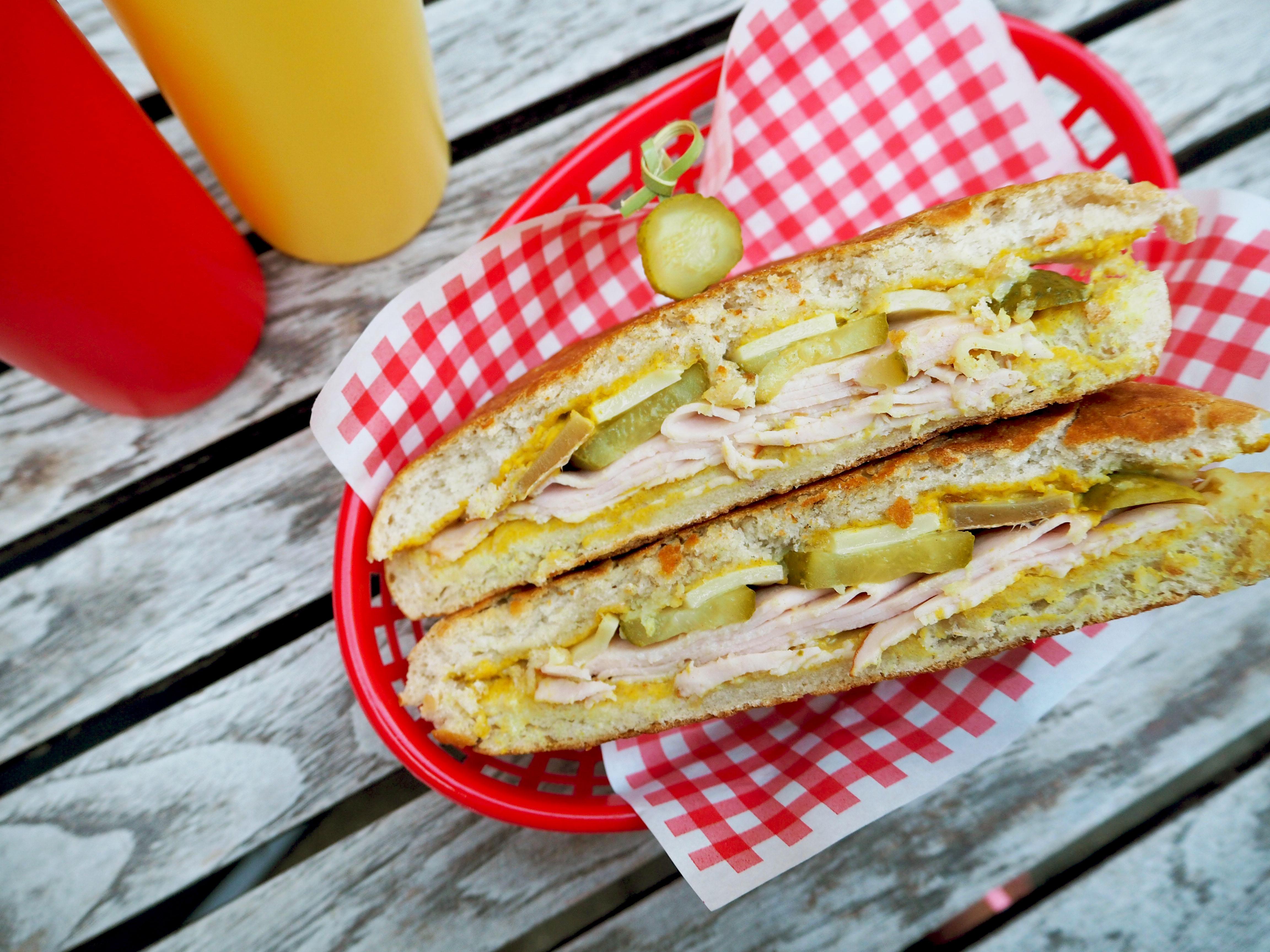 cuban sandwich met kalkoen en kaas