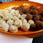 vegan bliss balls snickers en abrikozen havermout