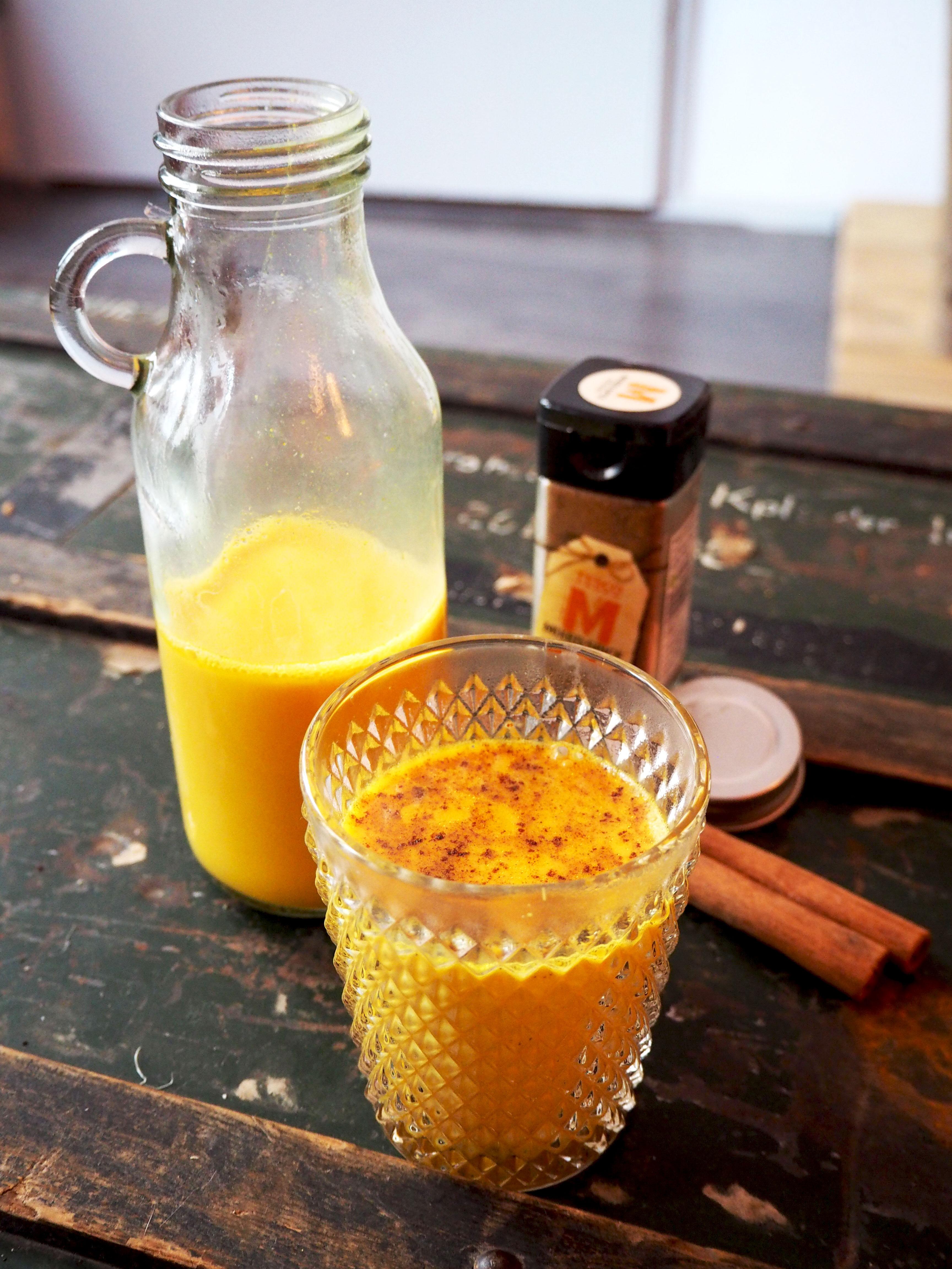 pumpkin spice kurkuma latte