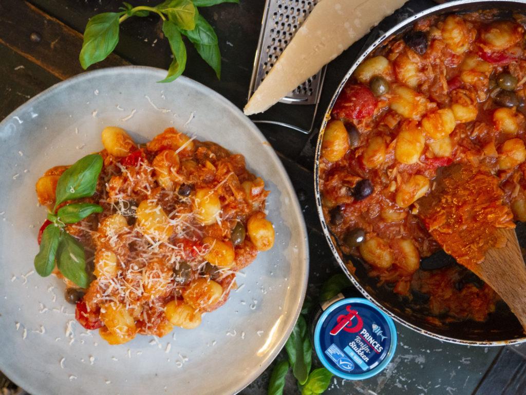 gnocchi met tonijn en Taggiasche olijven